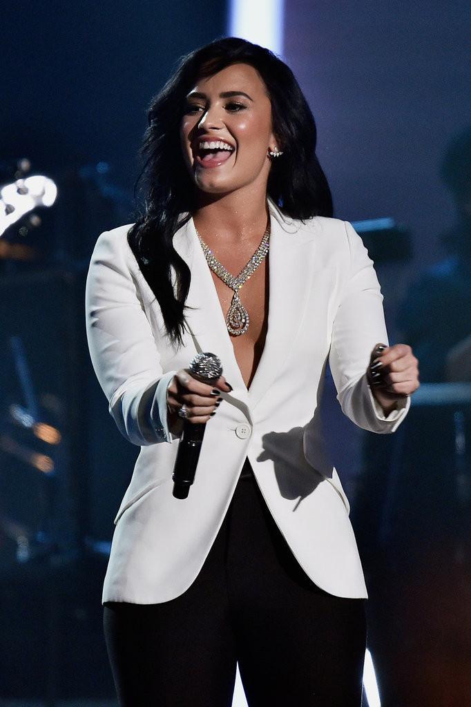 Demi Lovato Forevermark Necklace