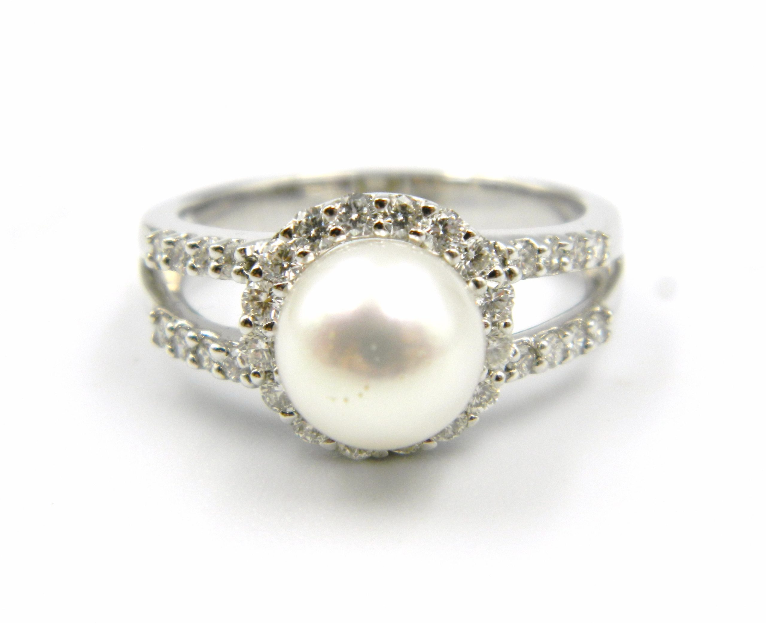 White Gold Freshwater Pearl Ring