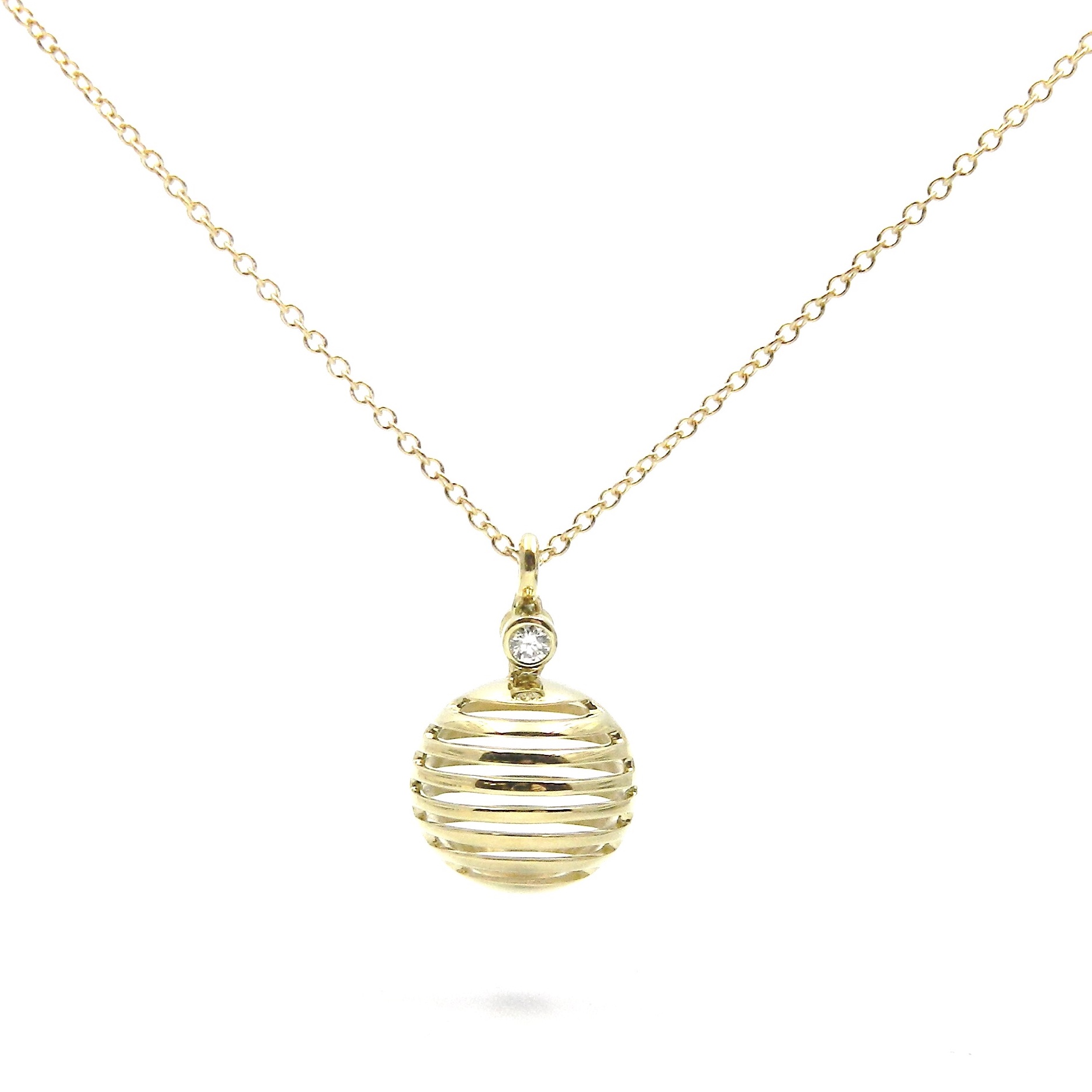 Yellow Gold Open Circle Necklace with Diamond